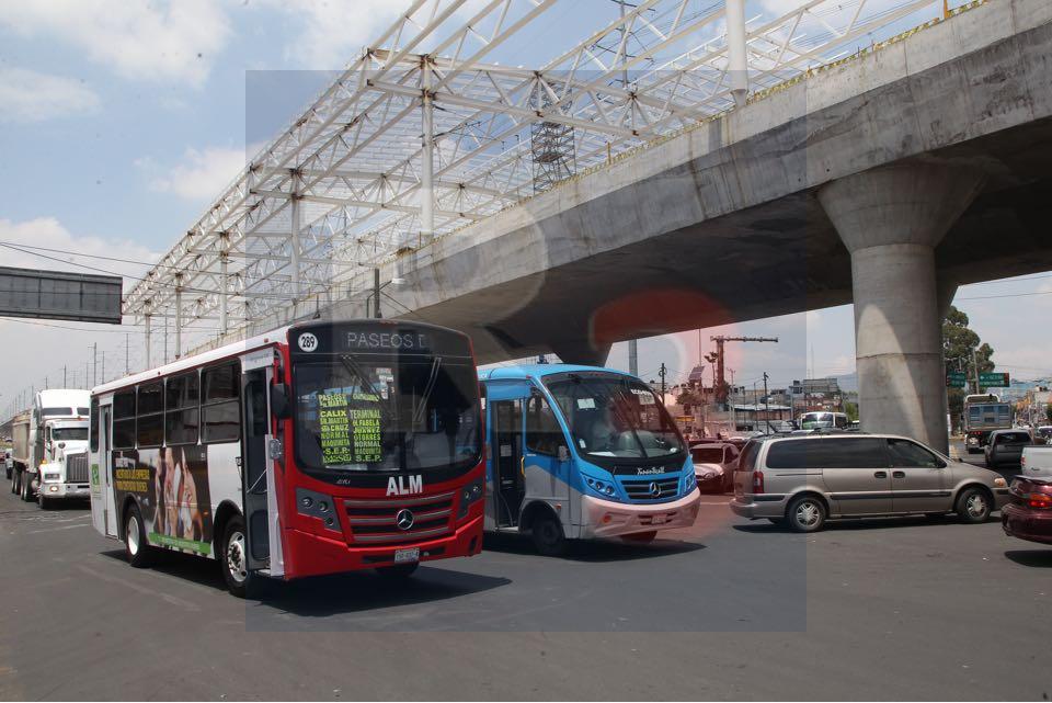 Una sola línea de autobuses podrá surtir de pasajeros al tren.