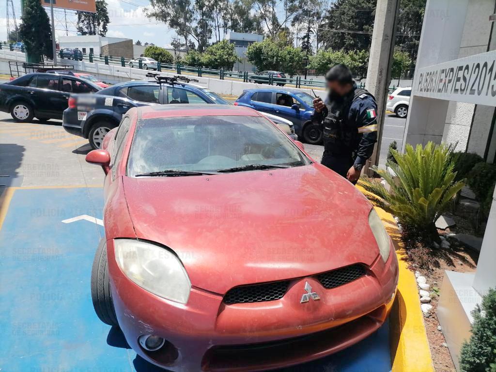 Localiza policía estatal vehículo posiblemente utilizado para cometer cinco robos