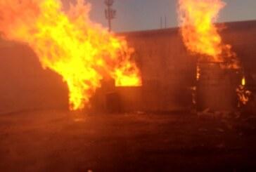 Sofocan Bomberos y Policía de Toluca incendio en bodega de San Pablo Autopan