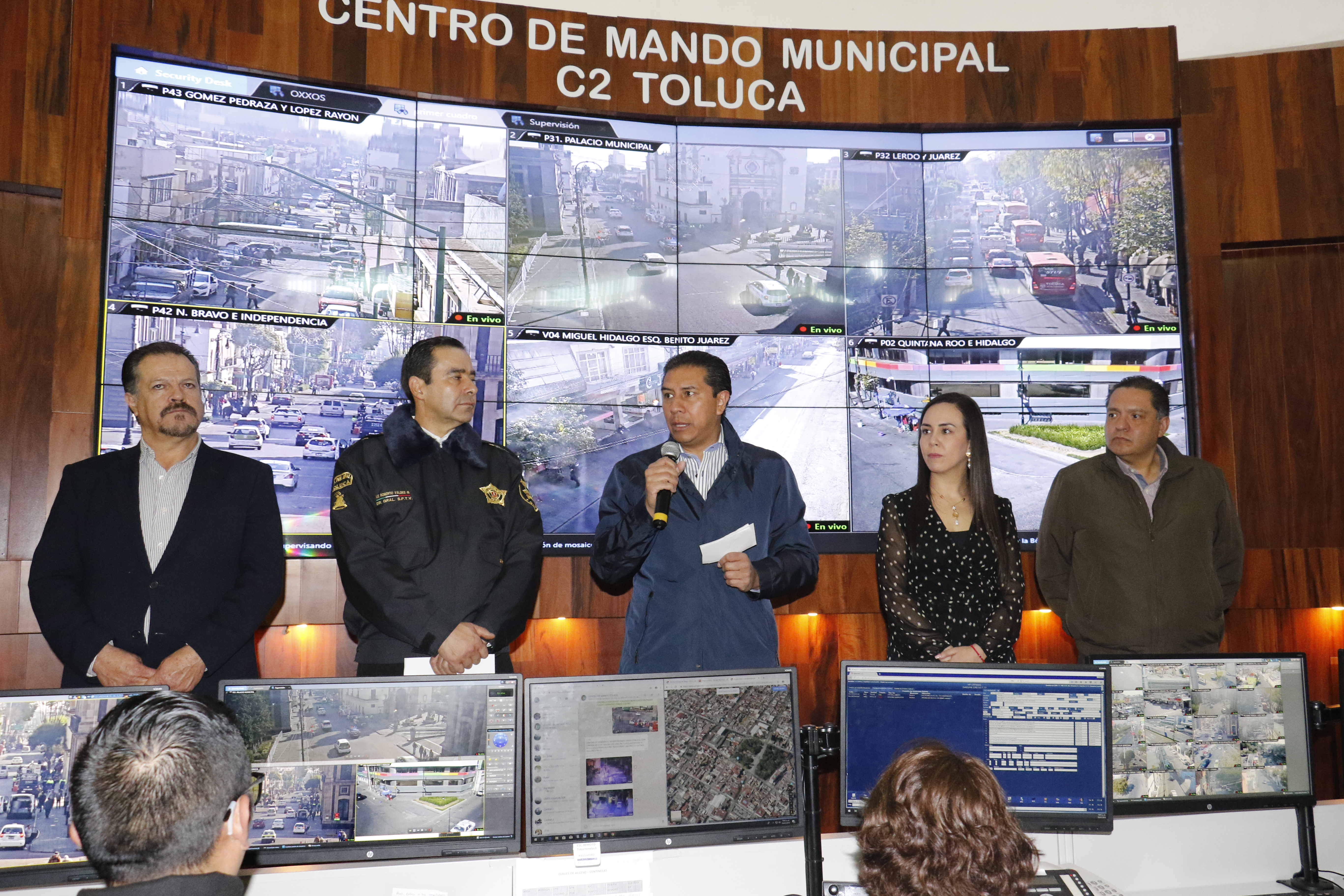 Inicia operativo para limpiar al primer cuadro de Toluca de ambulantaje