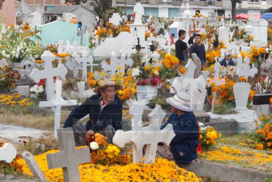 Celebran a San Miguel Arcangel en San Pablo Autopan