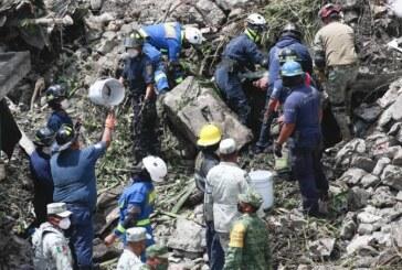 Rescatan los 2 cuerpos de personas atrapadas en el cero del Chiquihuite