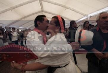 Se casan 360 parejas en Toluca