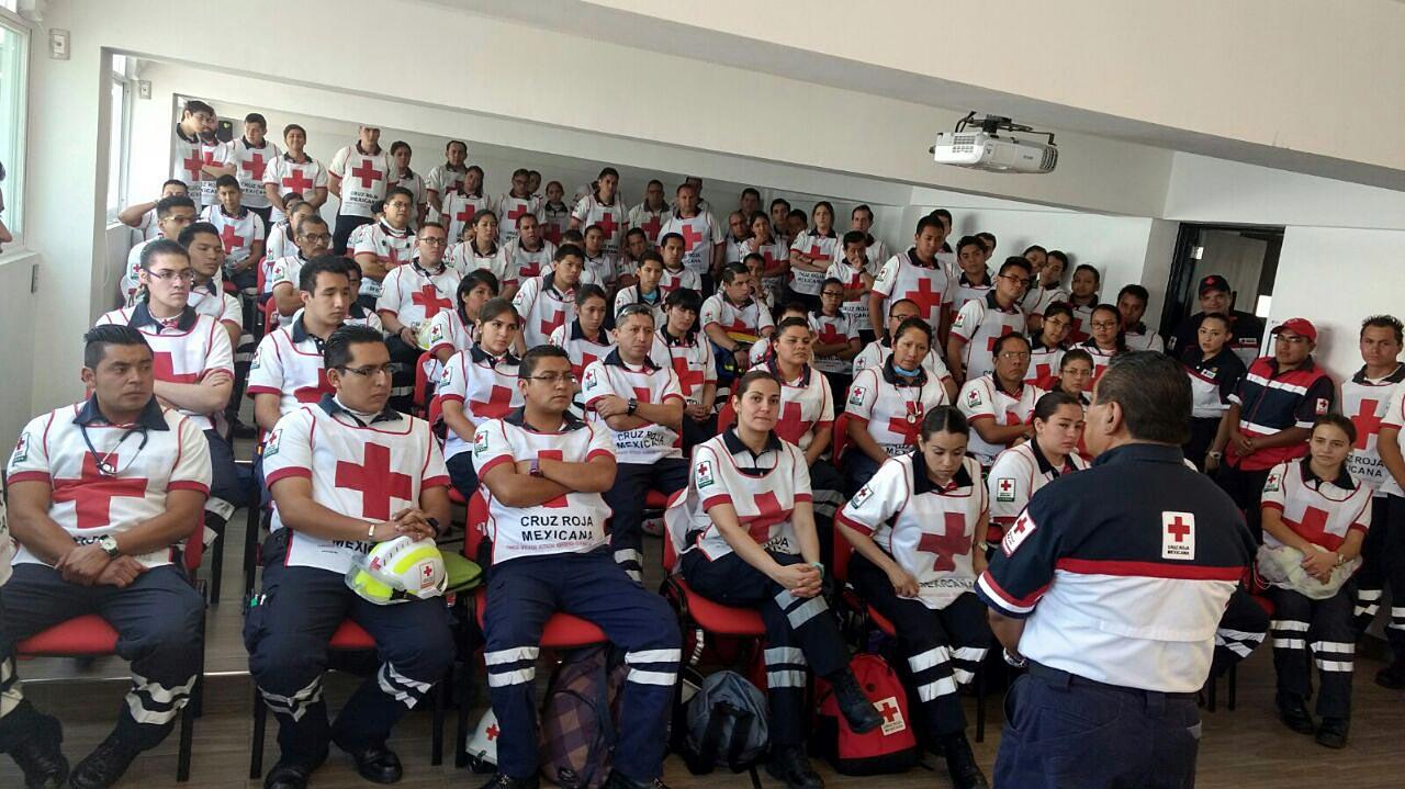 Presentan examen futuros técnicos en urgencias médicas
