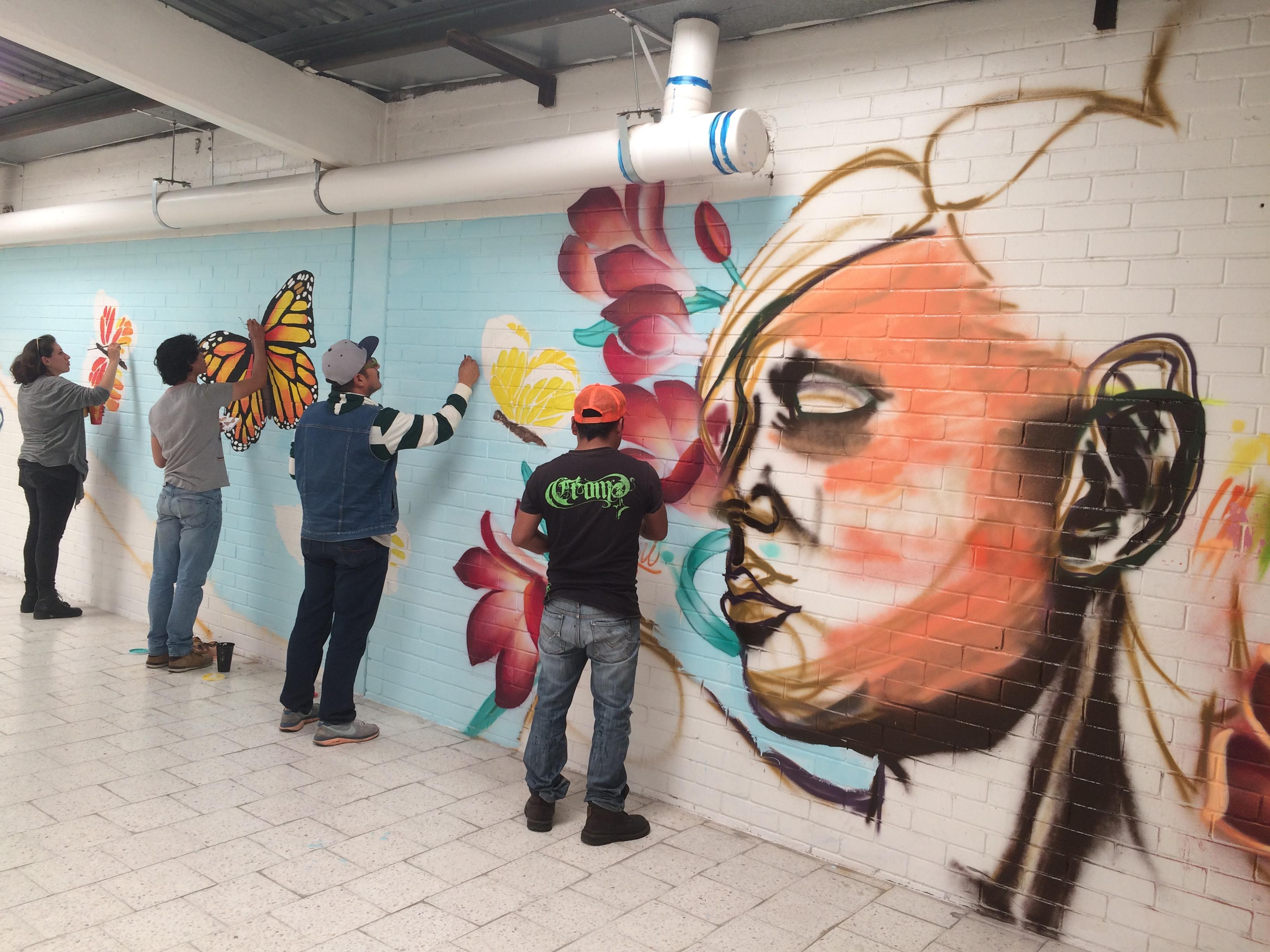 Jóvenes toluqueños usan su creatividad para llenar de color el ...