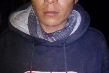 Por presunto robo y daños a la salud arresta Policía de Toluca a dos personas