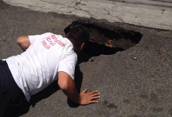 Atienden diversas áreas de la administración municipal hundimiento en la colonia San Bernardino