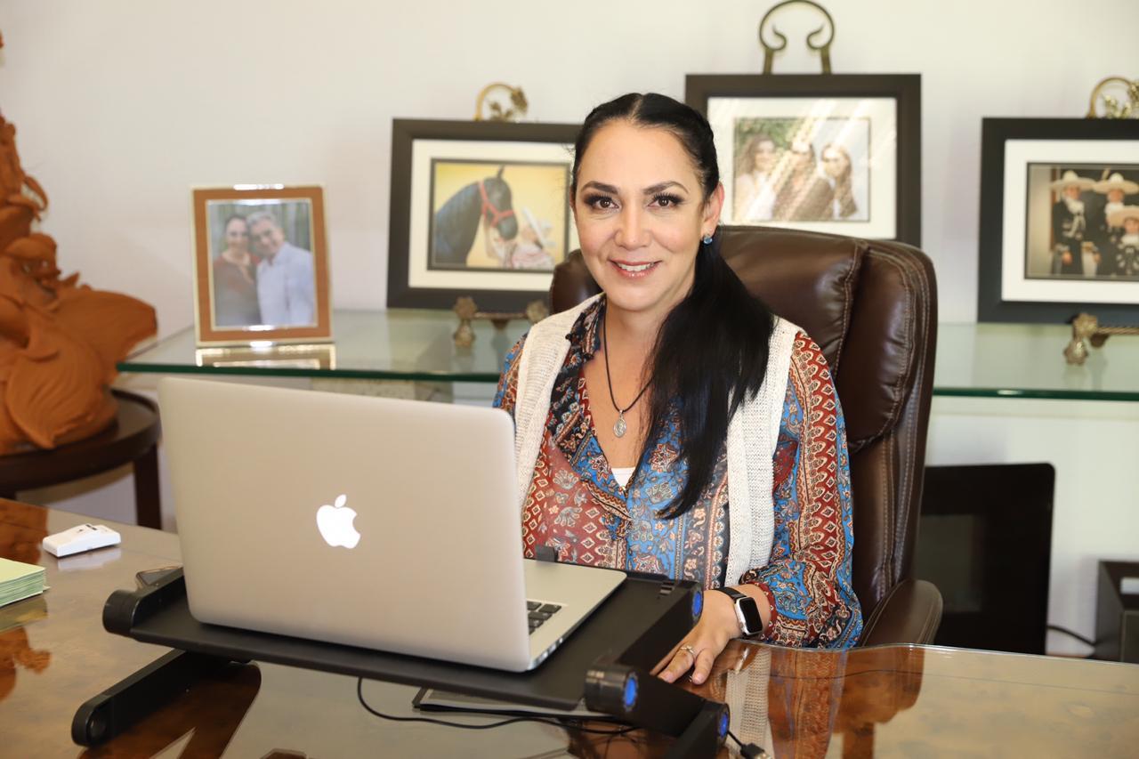 Manejo honesto, responsable y transparente de recursos, factores para tener finanzas sanas: Gaby Gamboa