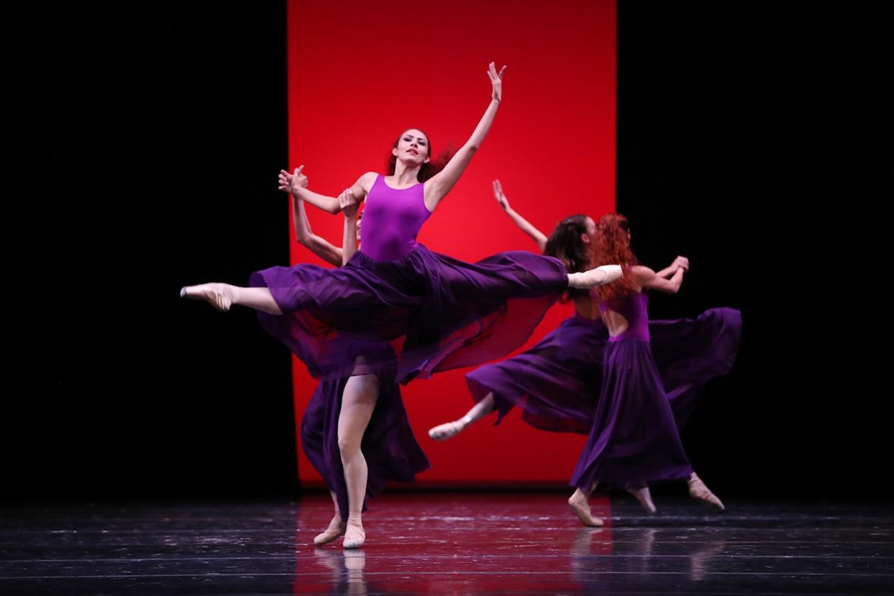 "Presenta compañía nacional de danza espectáculo en segundo día del festival internacional ""Danzatlán 2019"""