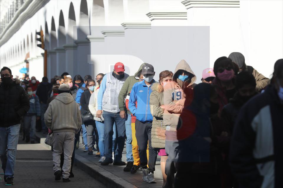 En riesgo los de la tercera edad por pagar el predial en Toluca.
