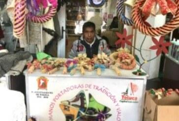 Invita Toluca a decorar los hogares con artesanías navideñas