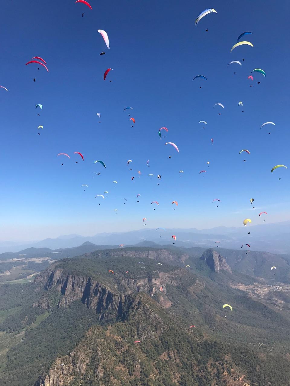 Vive monarca paragliding su edición 16 en territorio mexiquense