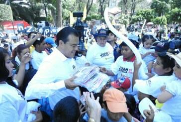 Juan Zepeda presenta su programa Cero Desnutrición; la entidad tiene 500 mil niños mal alimentados