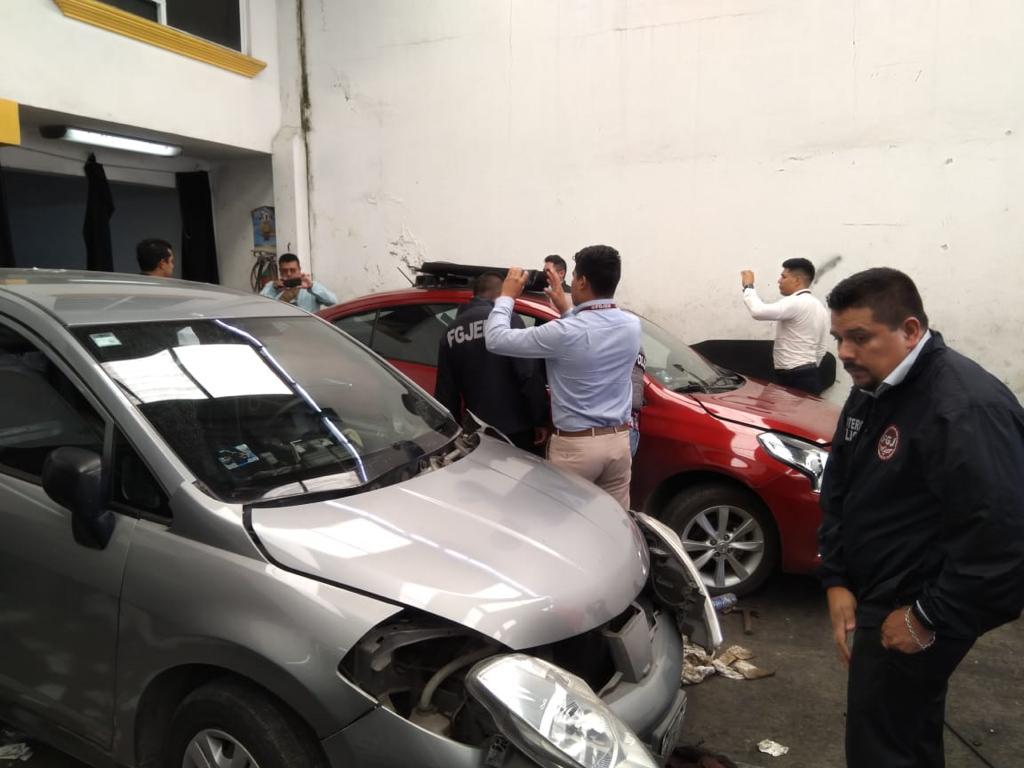 Catea FGJEM inmueble en Cuautitlán Izcalli donde asegura vehículos y autopartes con reporte de robo