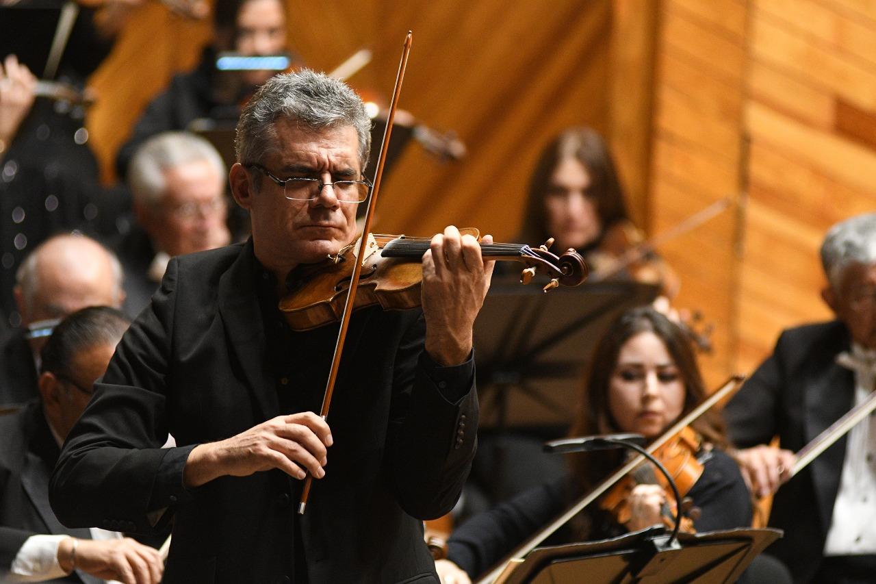 Interpreta OSEM la sinfonía no. 4 de Schumann