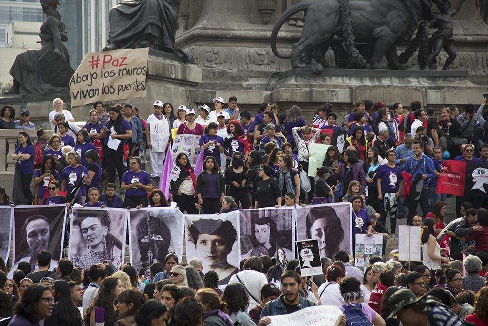 """""""La revolución femenina de las mujeres"""""""