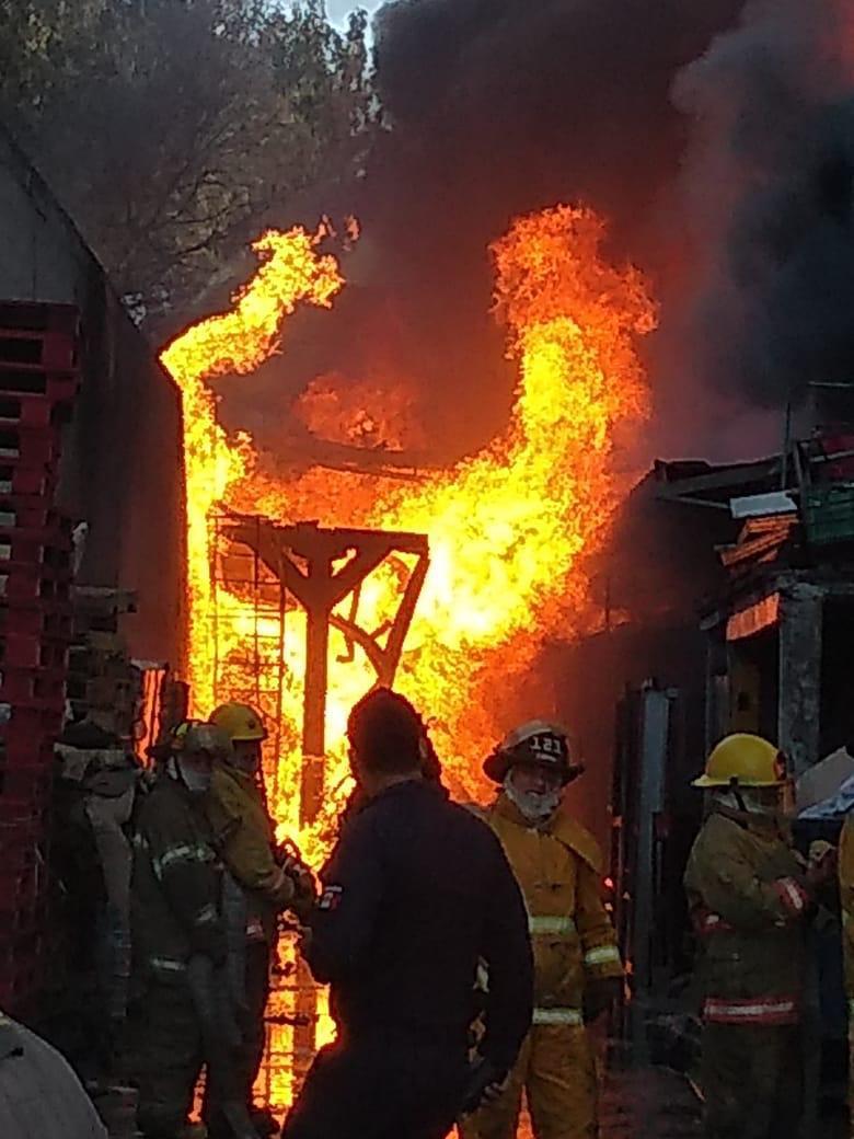 Atienden equipos de emergencia y seguridad incendio en Cuautitlán Izcalli