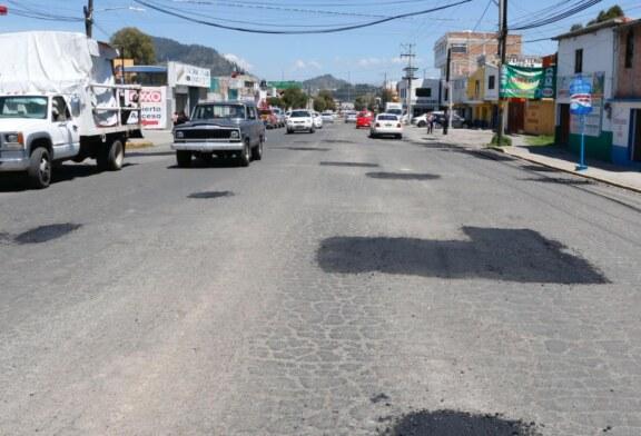 Continúan trabajos de bacheo en Toluca