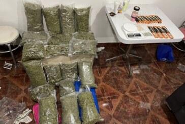 Asegura FGJEM 13.5 kilogramos de marihuana y mercancía robada, durante cateo en un inmueble en Naucalpan