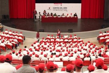 Cumplen jóvenes de Metepec con deber cívico