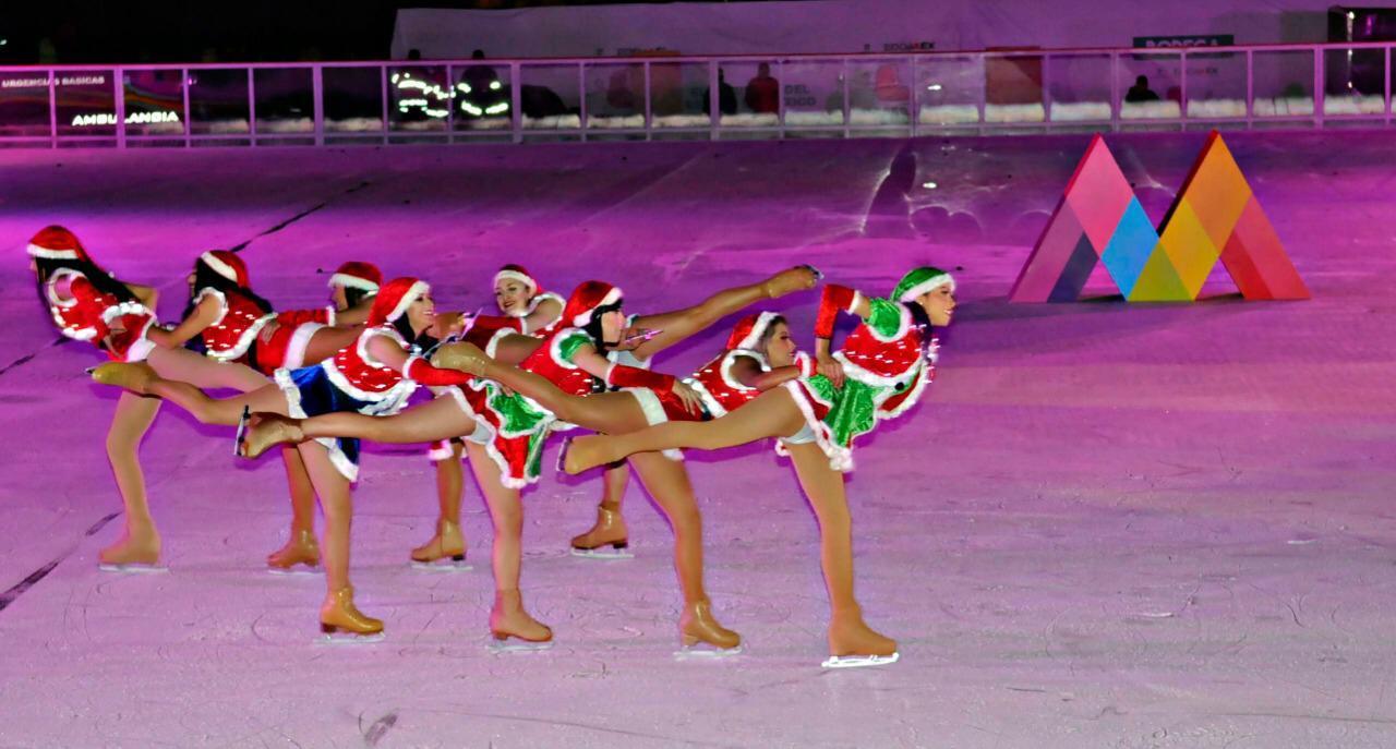 """Brilla la plaza de los mártires de Toluca con luz, color y alegría en la inauguración de """"invierno en patines"""""""