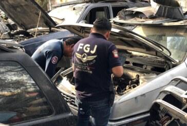 Catea fiscalía mexiquense inmueble en Ecatepec y asegura 11 vehículos y diversas autopartes