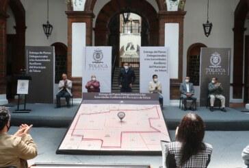 Entrega JRSG planos delegacionales a autoridades auxiliares de Toluca e informa el inicio del reencarpetamiento en vialidades de todo el municipio