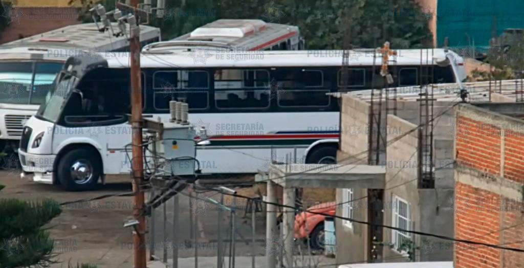 Localizan un autobús del transporte público con el que se presume fue atropellado un transeúnte que perdió la vida
