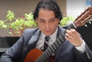 Ofrece guitarrista concierto virtual a través de cultura y deporte en click 3.0