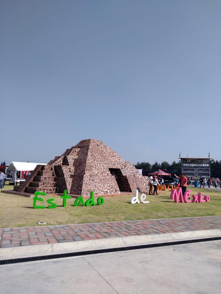 Promueve turismo estatal destinos mexiquenses en foro de autos