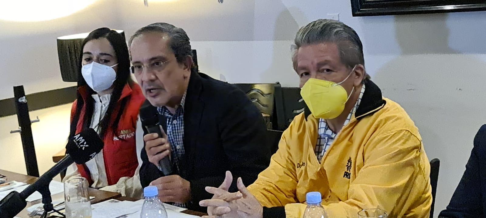 Denuncian penalmente a Juan Rodolfo Sánchez Gómez, le detectaron 273 aviadores.