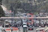 Perdidas millonarias provocaron los taxistas en el bloqueo de la México Toluca