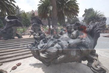 Llegan esculturas monumentales a Metepec