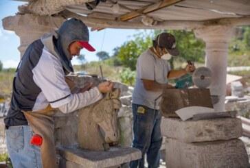 Labran figuras en lapidaria y cantera artesanas y artesanos mexiquenses