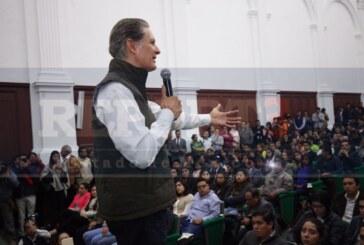 Mayores oportunidades para jóvenes egresados de la Universidad: Del Mazo