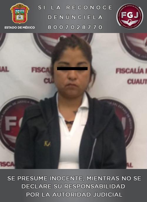 Elementos de la FGJEM ingresan a un penal estatal a mujer investigada por el homicidio de su hijo de tres años de edad
