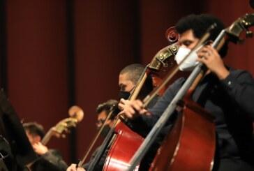 Lleva orquesta filarmónica mexiquense fusión de ritmos latinos al público del oriente del estado