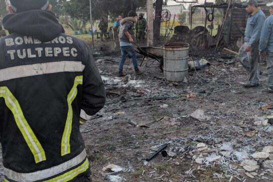 Explotan dos talleres de pirotecnia en Tultepec.