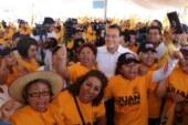 Acude Juan Zepeda a colonia con más feminicidios y se compromete a devolver la paz y la tranquilidad
