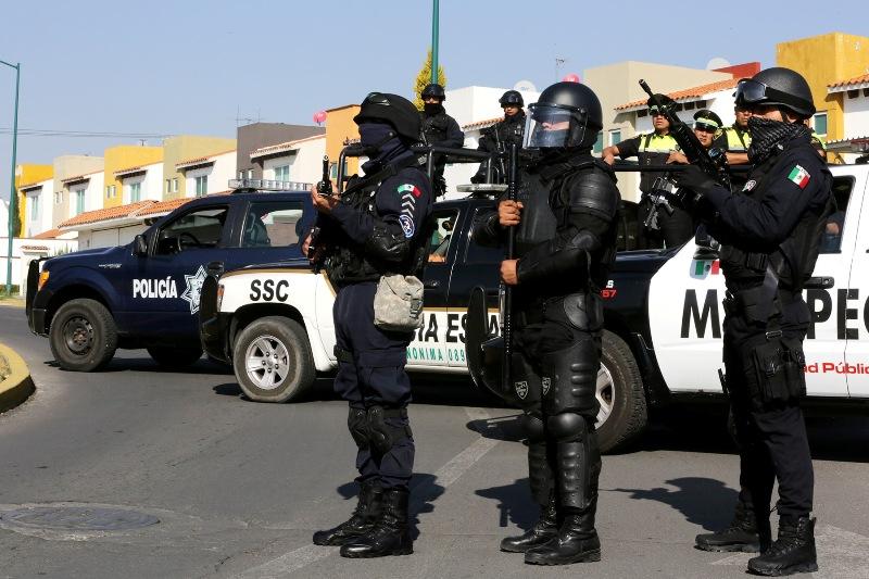 Detiene la policía de Metepec a cuatro centroamericanos por distribuir propaganda negra