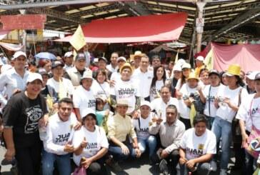 Juan Zepeda acabará con techos de lámina y pisos de tierra en el Estado de México