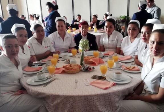 Entregan reconocimientos a enfermeras y enfermeros de la Cruz Roja en el Estado de México